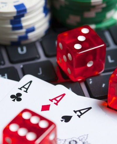 Is safe to play poker games in online?