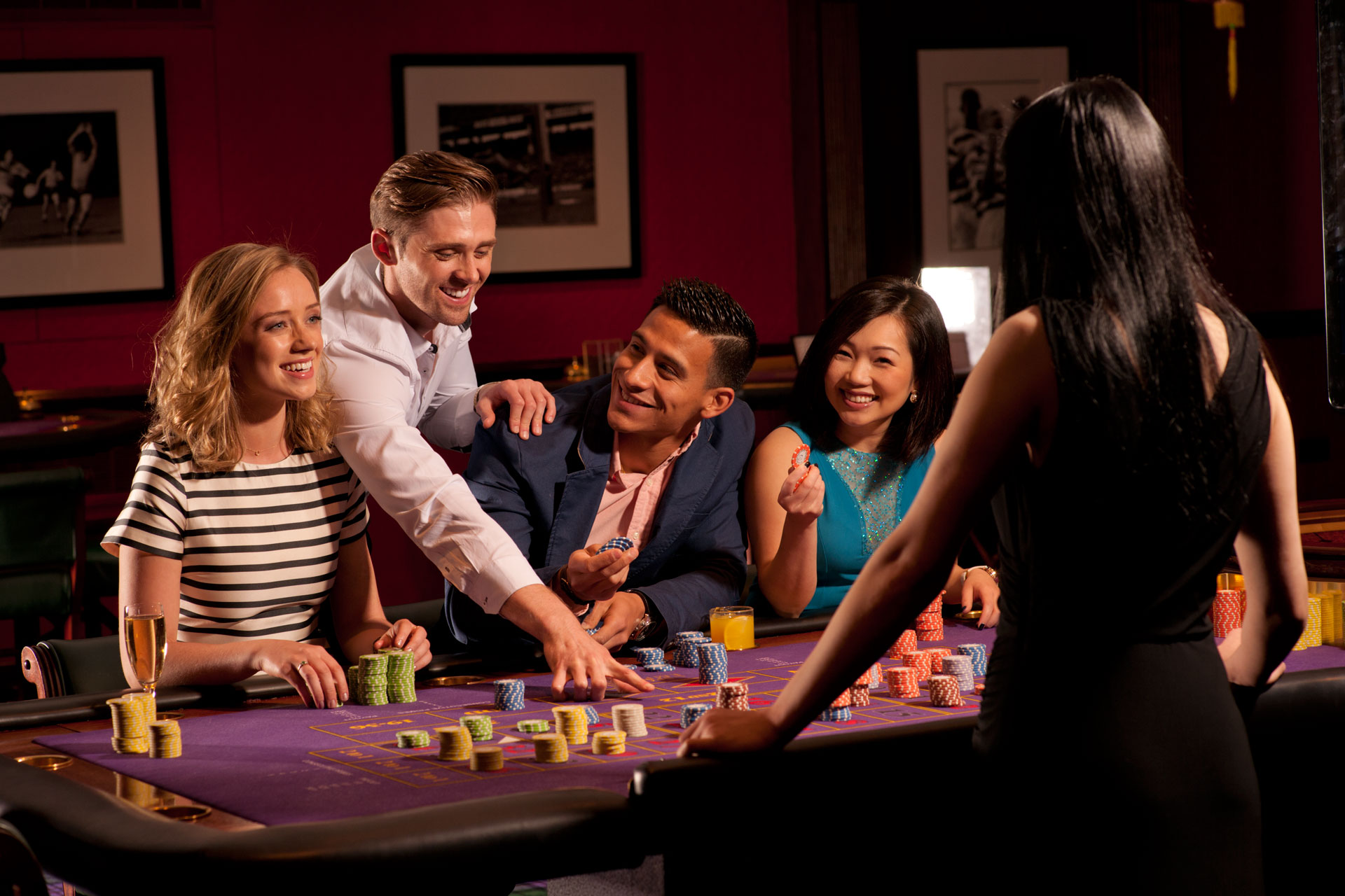 Test your luck of gambling by playing online slots