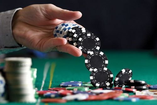 Some Pro Tips To Play Idn Poker