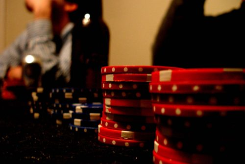 Play gambling games conveniently
