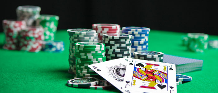 How to Enjoy Online Casino Games At Home