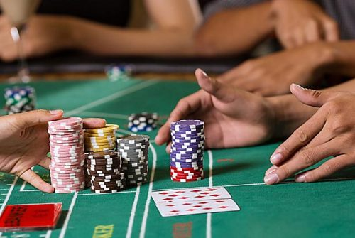 Play Poker Online in Casinos