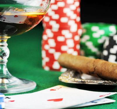 Playing traditional poker through online