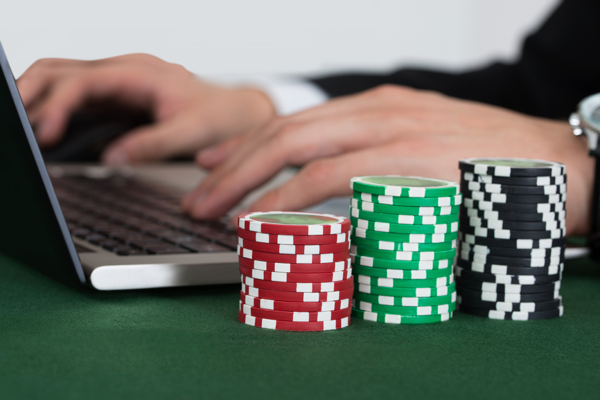 Start playing the games in the online casinos to earn profits
