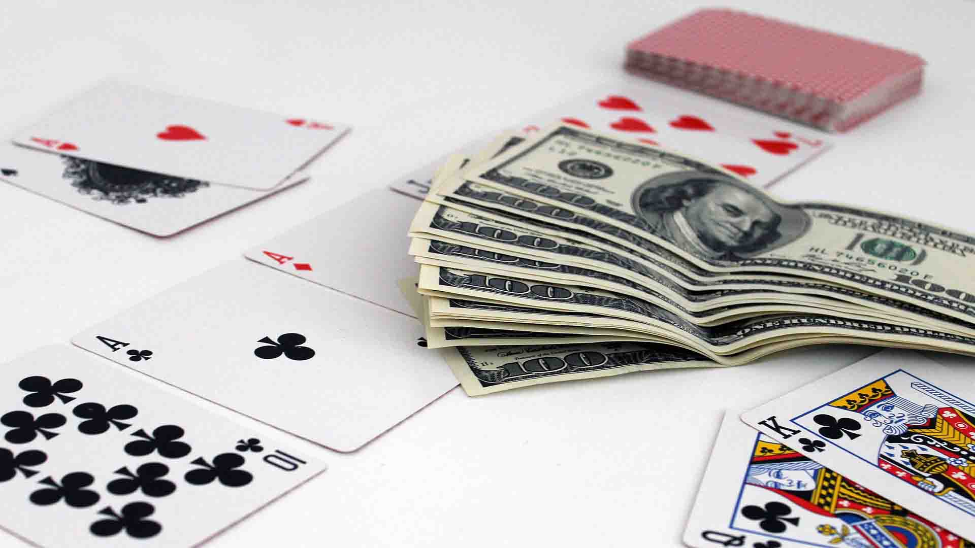 Baccarat Tips and Improve Your Online Gaming Experience